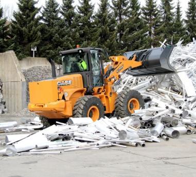 AGN Aluminium si-a gasit echipamentul ideal: incarcatorul frontal pe pneuri CASE 521F