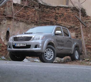 Toyota Hilux - Muncitor si fiabil